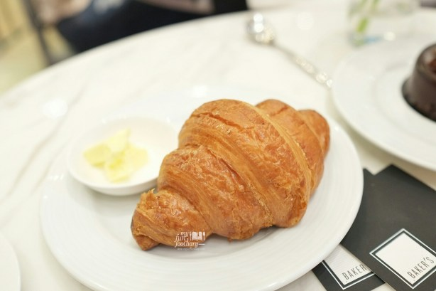 Butter Croissant at Baker's Gallery KoKas by Myfunfoodiary 01