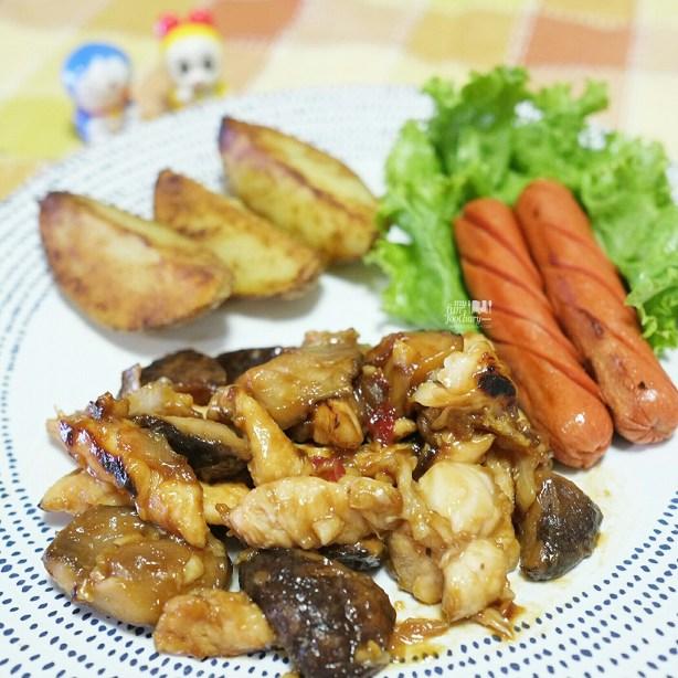 Chicken Mushroom in Plum Sauce - homecook by Myfunfoodiary
