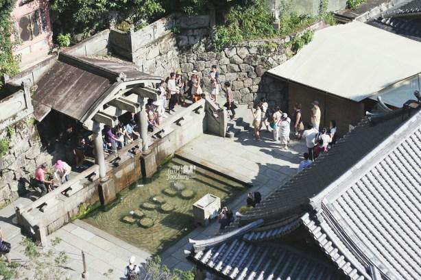 Otowa Waterfall at Kiyomizudera Temple by Myfunfoodiary
