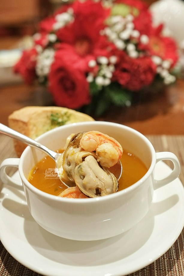 Seafood Soup at Seasons Cafe by Myfunfoodiary