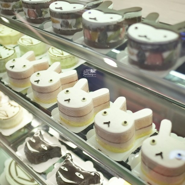 Cute Cakes at Aranzi Cafe Jakarta by Myfunfoodiary