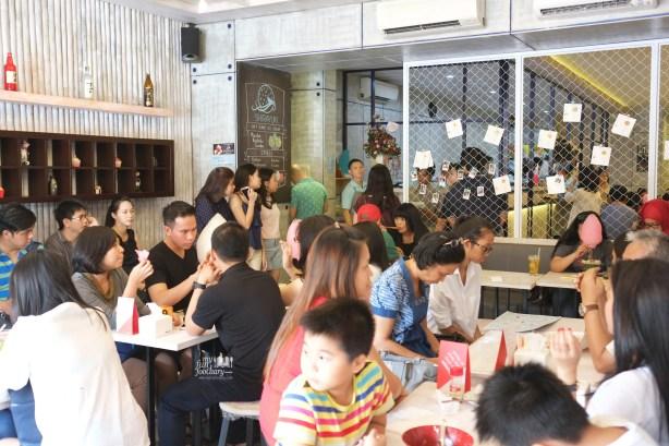 Crowds at Shirayuki PIK by Myfunfoodiary
