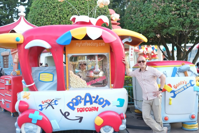 Andy sells popcorn at ToonTown Tokyo Disneyland by Myfunfoodiary