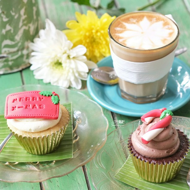 Christmas Cupcakes and Coffee at Bungalow Living Cafe Bali by Myfunfoodiary