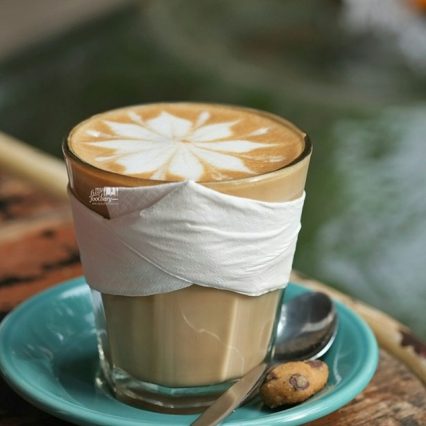 Hazelnut Latte at Bungalow Living Cafe Bali by Myfunfoodiary