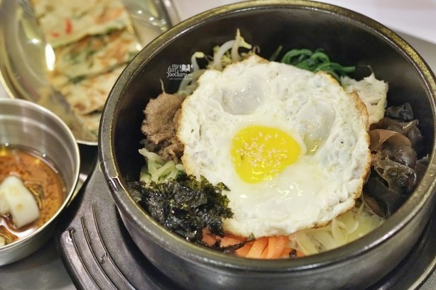 Hot Stone Bibimbap at Magal Resto PIK by Myfunfoodiary 01