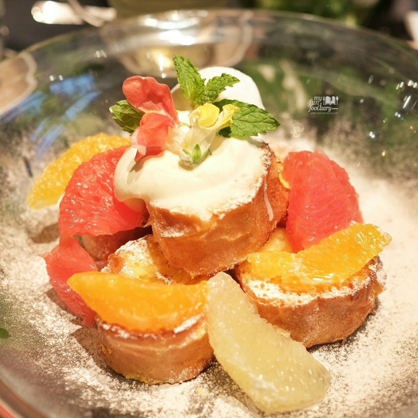 Flower French Toast at Aoyama Flower Market in Tokyo by Myfunfoodiary 01