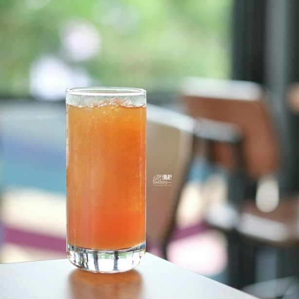Peach Collagen Tea at Pat Bing Soo Korean Dessert by Myfunfoodiary