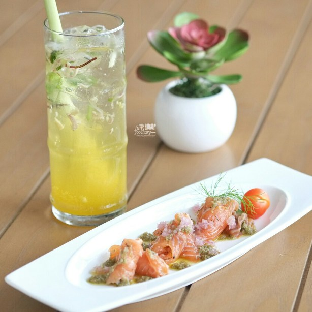 Salmon Gravlax at Clique Kitchen and Bar by Myfunfoodiary