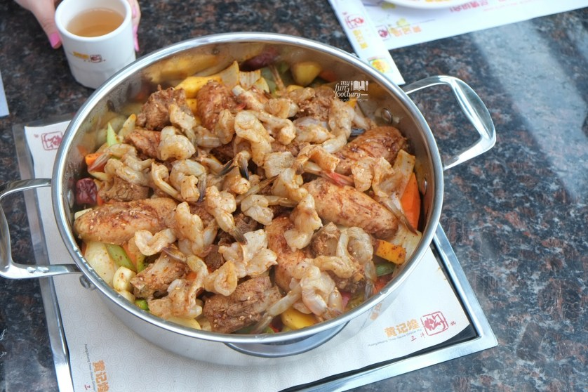 Step 1 Cooking Process at Huang Ji Huang PIK by Myfunfoodiary