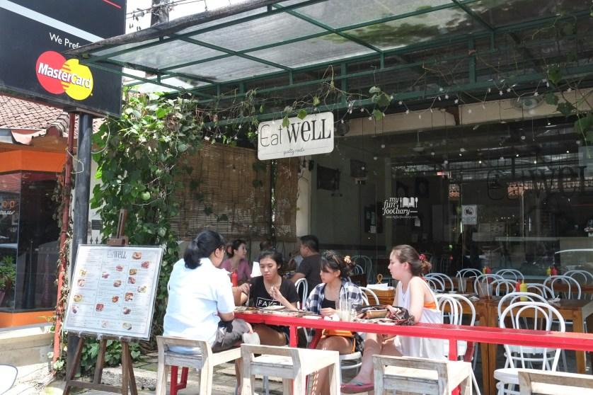 Tampak Depan Eat Well Bali by Myfunfoodiary 01