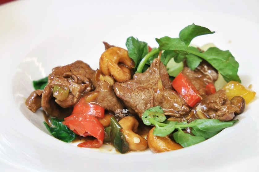 Blackpepper Beef made by Chef Chandra - by Myfunfoodiary
