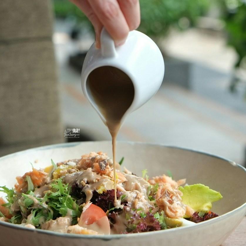 Noahs Salmon Super Salad at Noahs Barn Dayang Sumbi by Myfunfoodiary 02