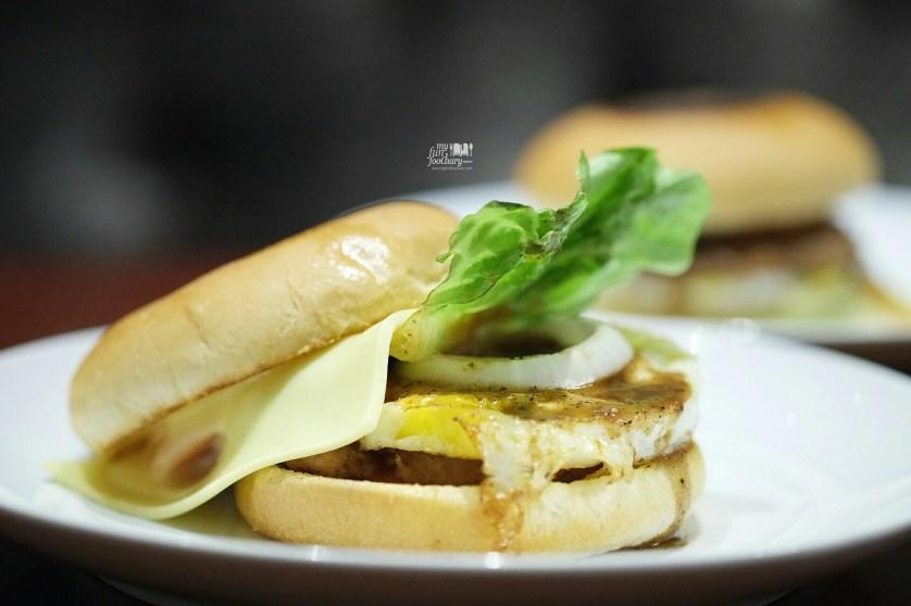 Sasebo Burger at KOBE by Shabu2 House by Myfunfoodiary