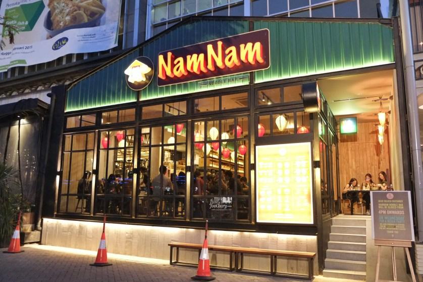 Tampak Luar Nam Nam Noodle Bar by Myfunfoodiary