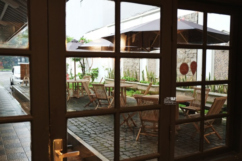 Outdoor View from the Window at WATT Coffee by Myfunfoodiary