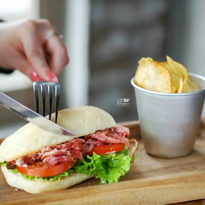 Beef BLT Sandwich at Brown Bag Kemang by Myfunfoodiary 01