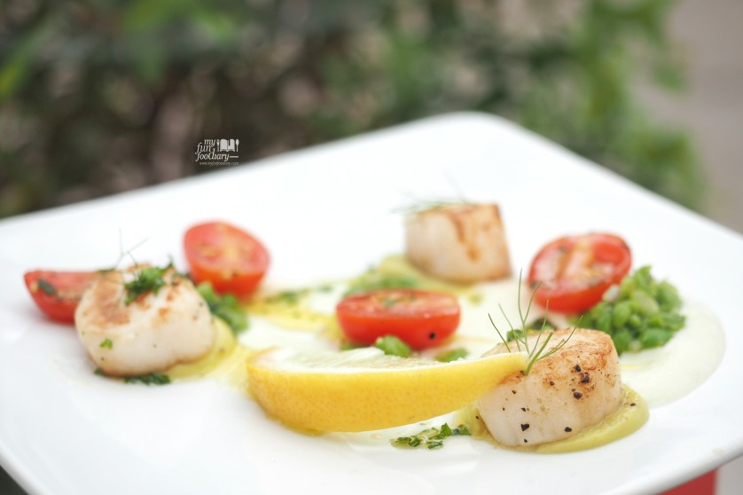 Seared Canadian Scallops  at Mockingbird Fine Dining by Myfunfoodiary