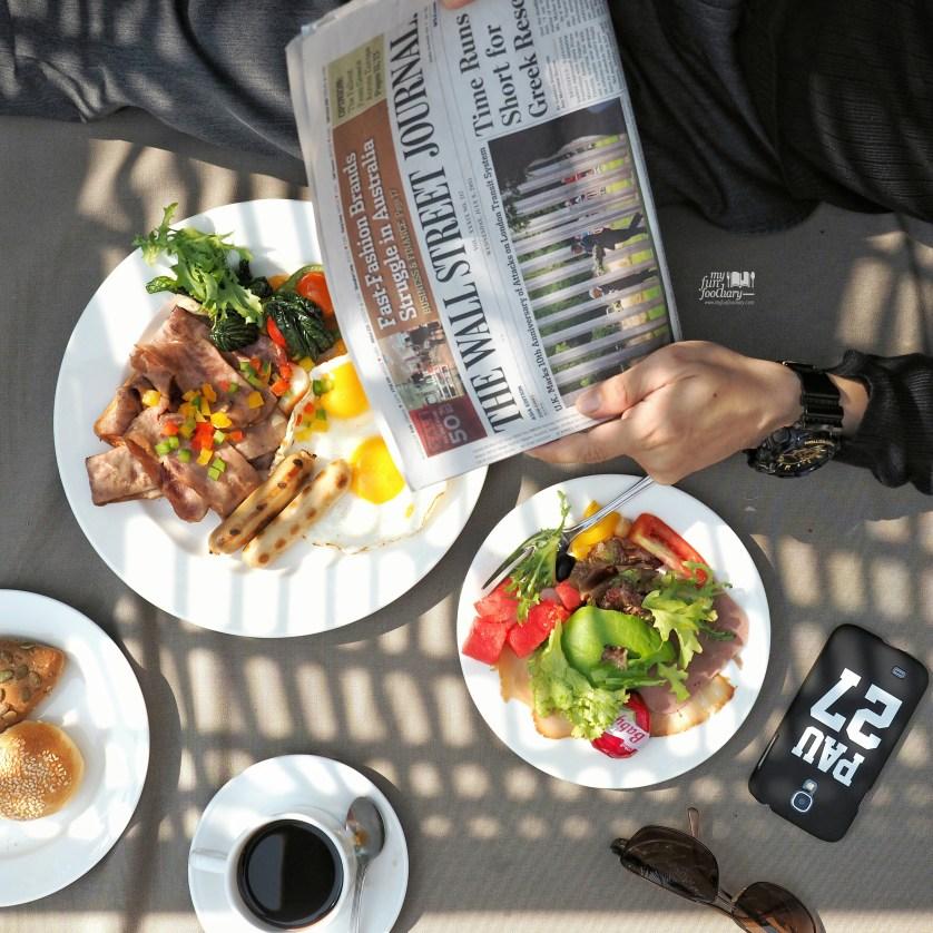 His breakfast at Jamoo Restaurant Shangrila Surabaya by Myfunfoodiary