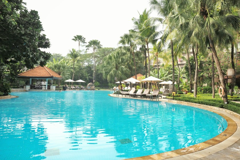 Lovely Swimming Pool at Shangrila Surabaya by Myfunfoodiary
