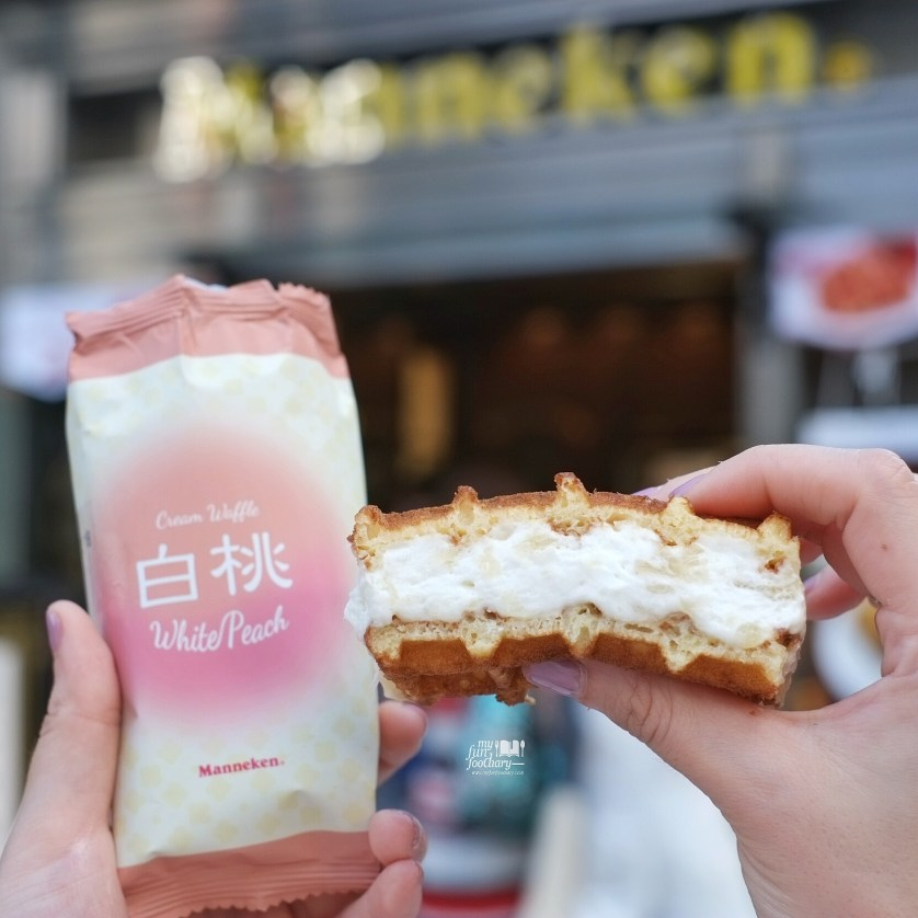 Soft Belgian Waffle White Peach at Manneken by Myfunfoodiary