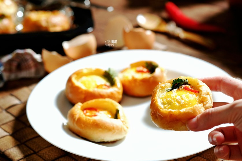 Bread Bowl Egg by Mullie Myfunfoodiary