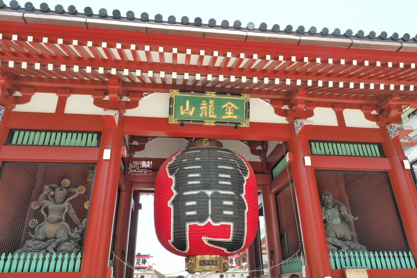 Close up Kaminarimon Kaminari Gate at Asakusa Tokyo by Myfunfoodiary