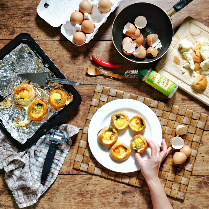 New Easy Recipe Breakfast Egg in a Bread Bowl by Mullie Myfunfoodiary 10