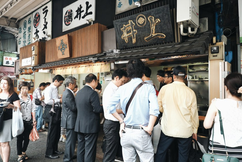 Long queue at the Ramen Shop at Tsukiji Market by Myfunfoodiary