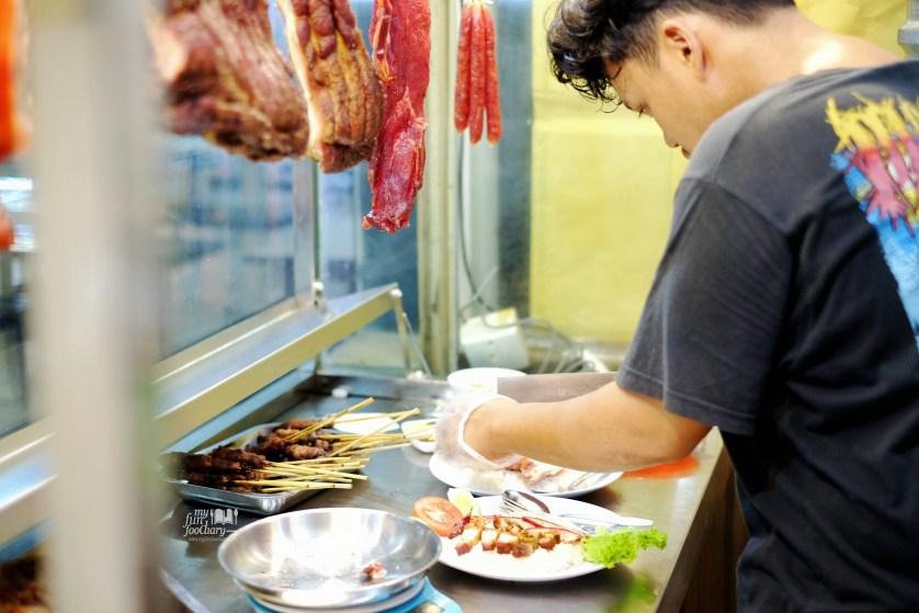 Tampak Counter Nasi Campur Kencana by Myfunfoodiary