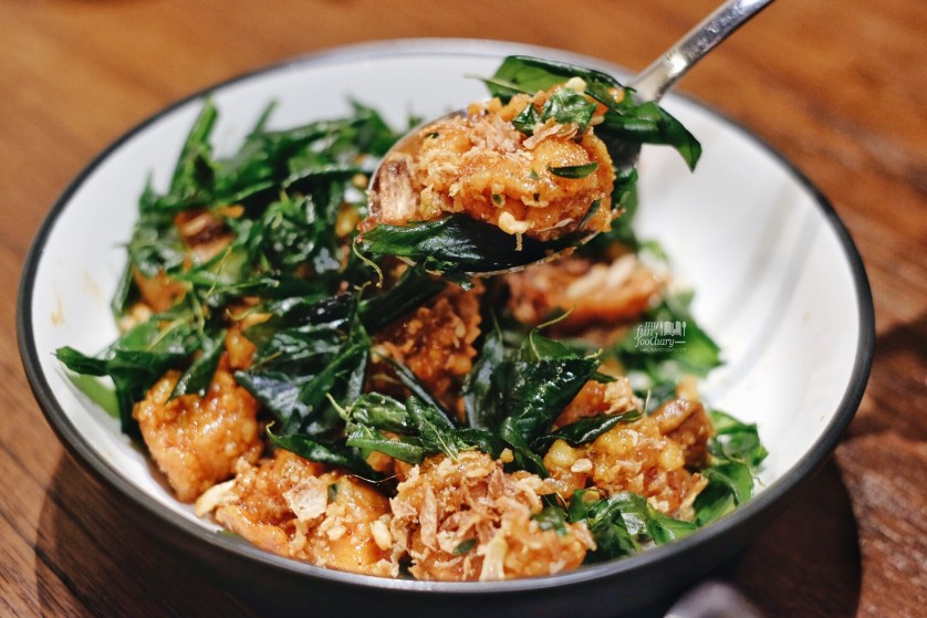 Honey Garlic Chicken at Tom Tom PIK by Myfunfoodiary