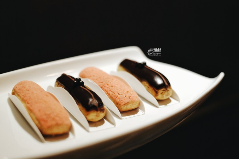 Mini Eclairs at Socieaty Plaza Indonesia by Myfunfoodiary