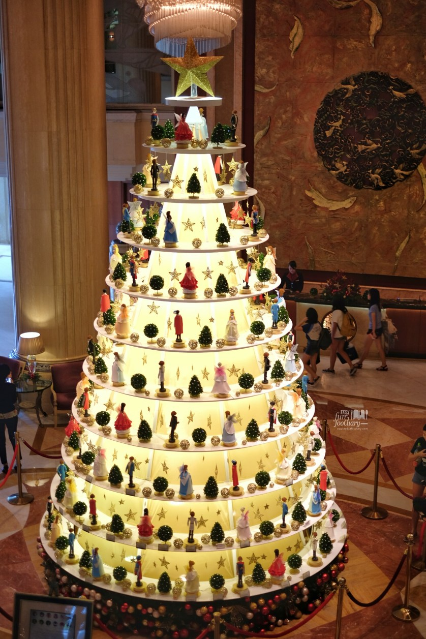 Once Upon A Christmas Tree at Tower Wing Shangri-La Singapore by Myfunfoodiary