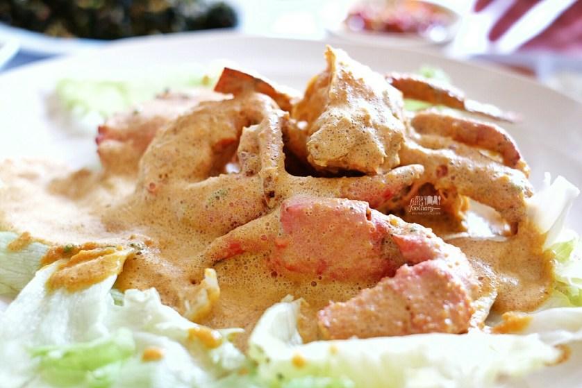 Kepiting Jantan Telur Asin at Layar Seafood Jakarta by Myfunfoodiary 02