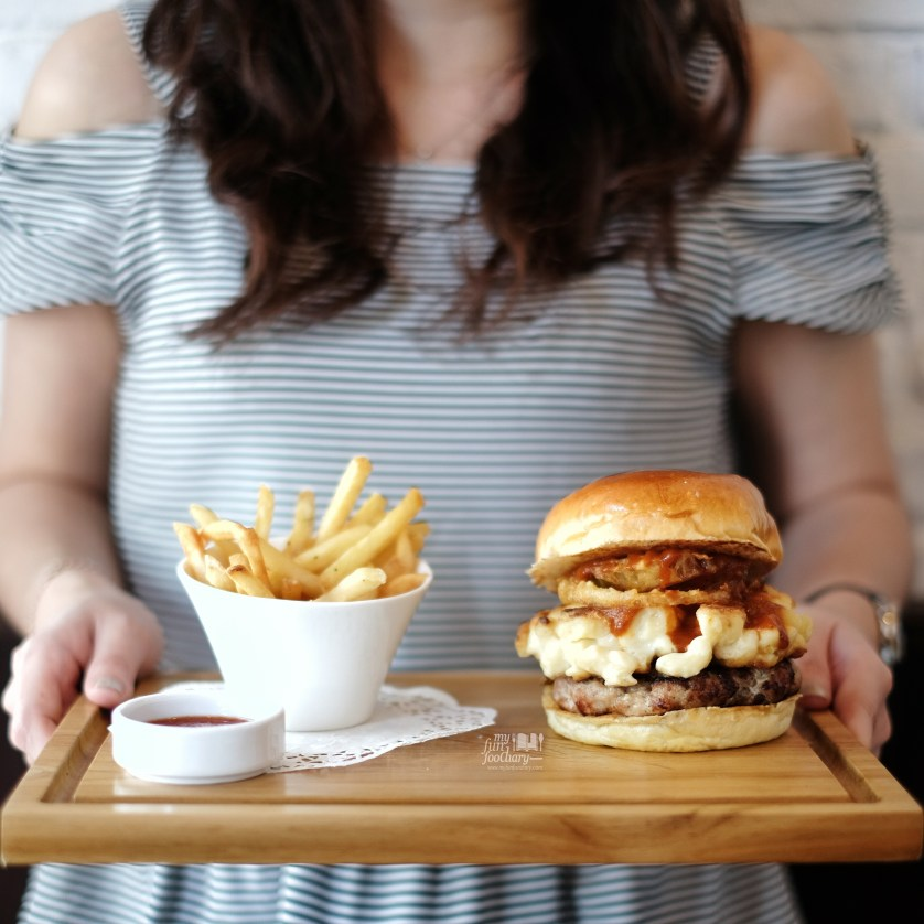 Memphis Mac Daddy in frame at Burgo Restaurant by Myfunfoodiary-