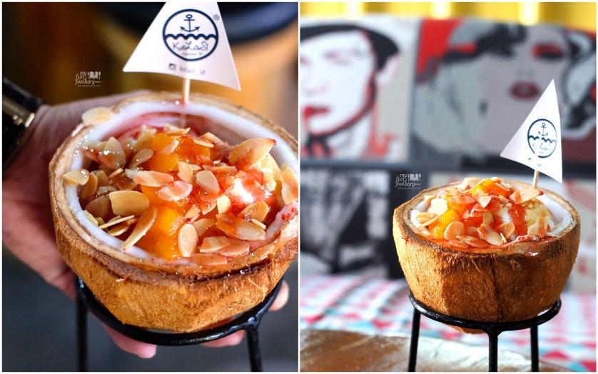 Kelapa Isi Dessert at Kelasi by Myfunfoodiary