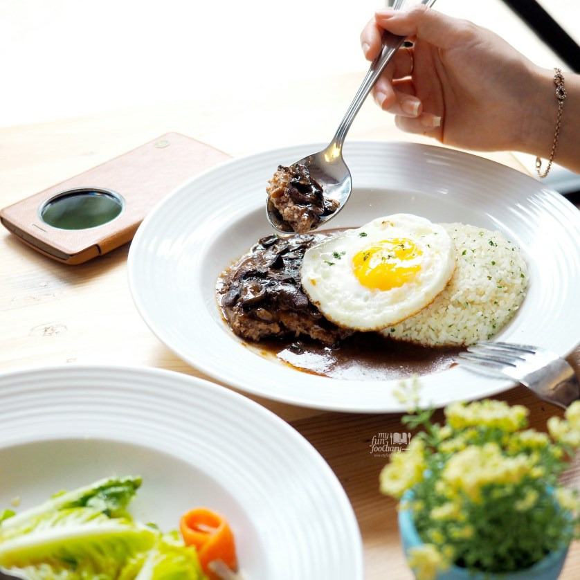 Loco Moco at Meat and Eat by Myfunfoodiary 03