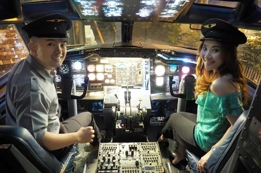 Mullie and Andy at the plane - Taman Santap Rumah Kayu by Myfunfoodiary