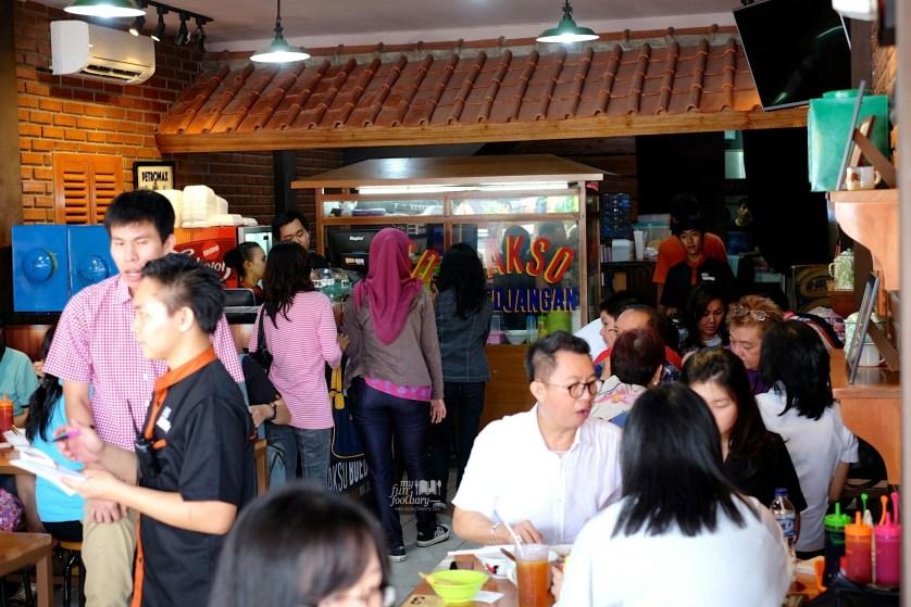 Suasana Ramai di Bakso Boedjangan by Myfunfoodiary