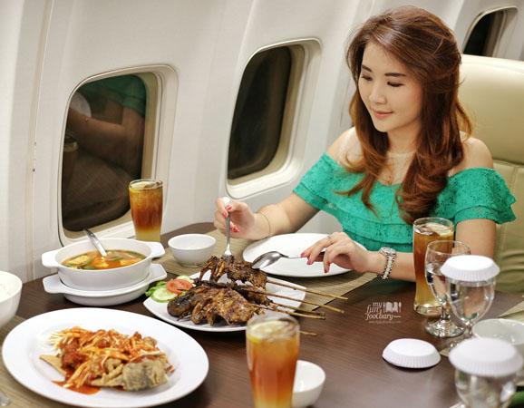 [NEW SPOT] Sensasi Makan di Kabin Pesawat Taman Santap Rumah Kayu Ancol dan Nikmati Cash Back dari Aplikasi Paprika