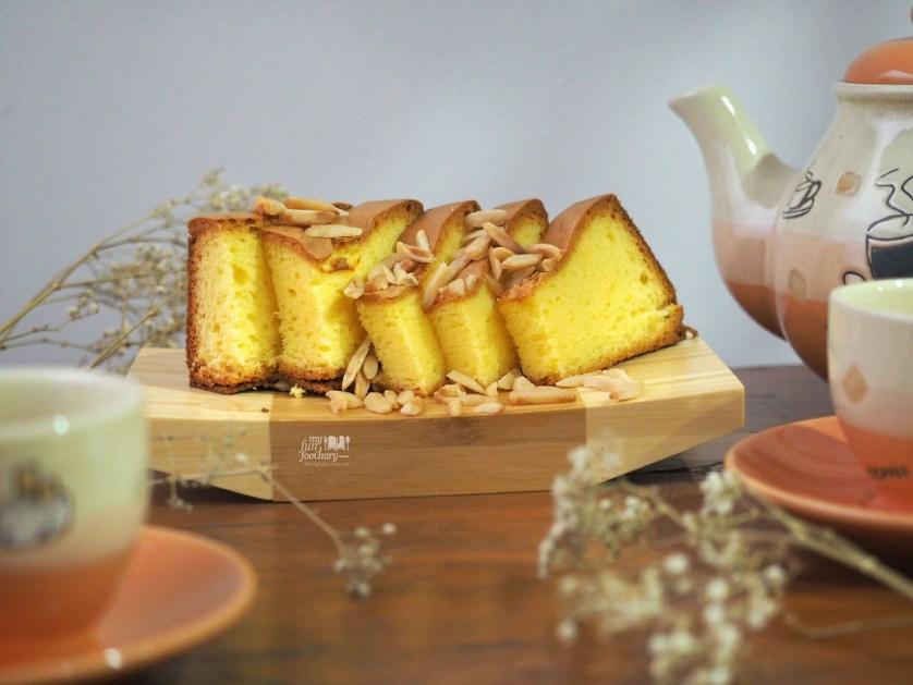 Spiku Kenari by Santis Cake by Myfunfoodiary 01 rev