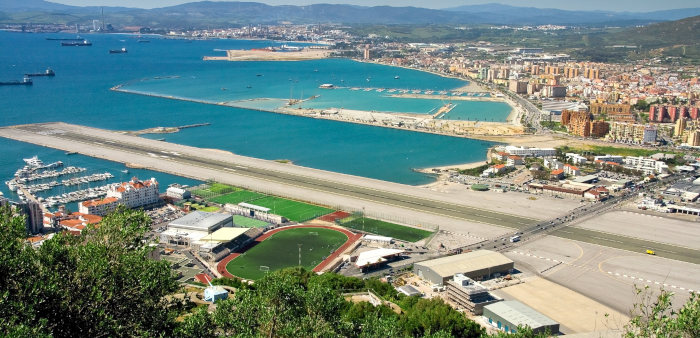 gibraltar airport landing