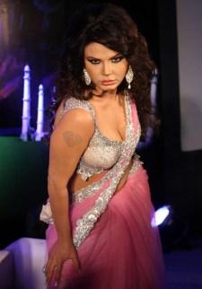 hot-bollywood-item-song-actress-rakhi-sawant-hot-saree-navel-show-photos_actressinhotsareephotos-blogspot-com_4