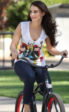 rs_634x1024-131030141636-634-jessica-lowndes-thor-ls-103013_copy