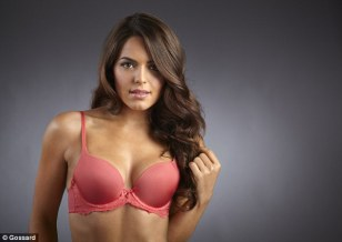 28aafdc200000578-3081682-she_s_also_seen_modelling_the_superboost_lace_bra_in_a_soft_cora-a-42_1431614975396