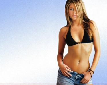 holly_valance_looking_glamorous