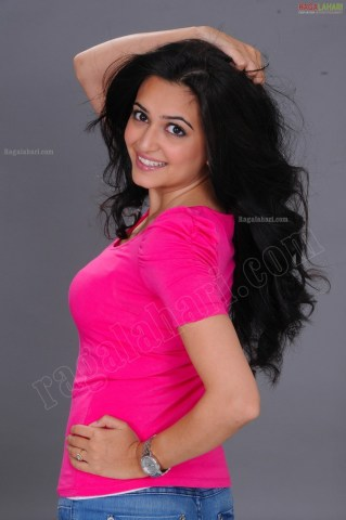 kriti-kharbanda-pink-dress-ragalahari-ps-kriti-sanon-9af7b76980bcf7dc7735aee8e3493a5c-large-184006