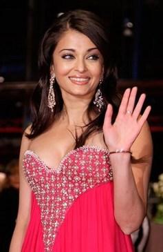 Aishwarya-Rai-Bachchan-Post-Pregnancy-Body-Shape