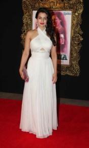 bollywood-amisha-patel-long-white-gown-586x971