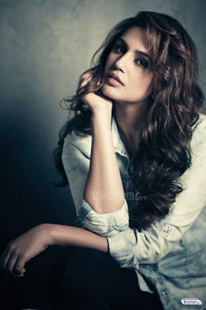 20-huma-qureshi-hd-picture
